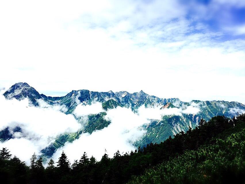 蝶ヶ岳からの眺め。味わったことのない空気でした。